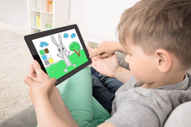 El efecto de las pantallas en el cerebro de los niños