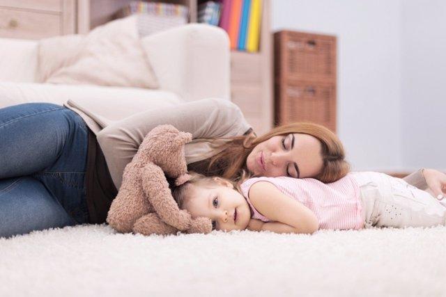 Dormir: una moneda de dos caras para niños y adultos