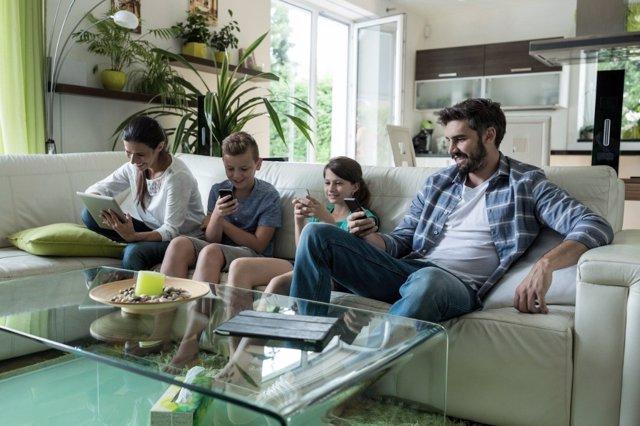 El impacto de las pantallas en la vida en familia