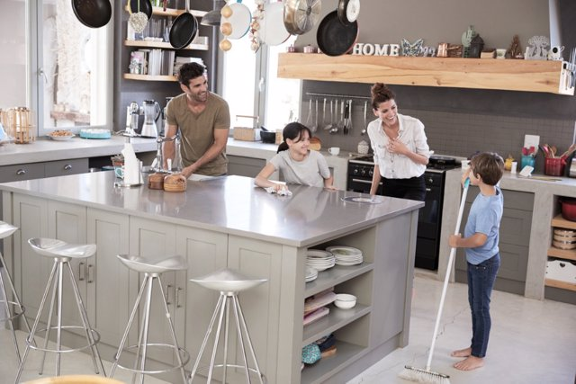 Labores domésticas apropiadas para cada edad.