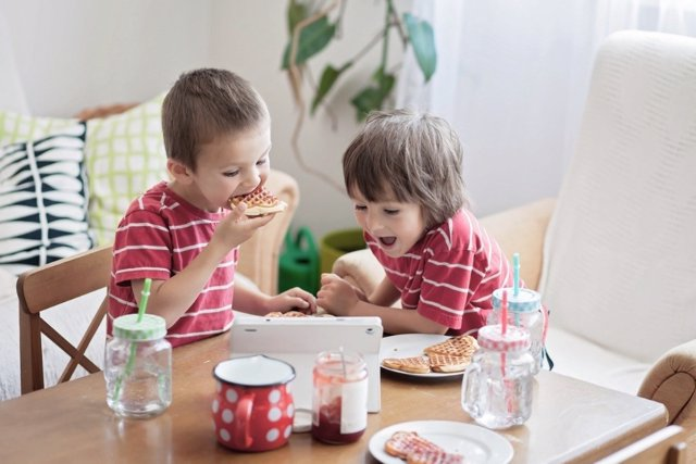 El soborno de lo audiovisual a los niños: ¿un buen recurso?