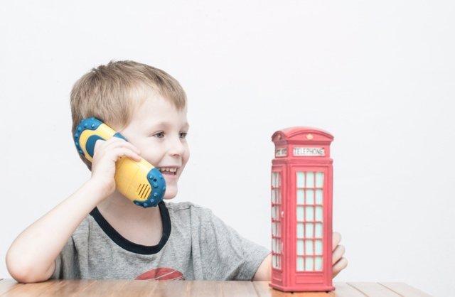 Cómo afecta el aprendizaje de idiomas al cerebro de los niños