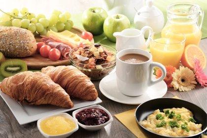 Desayunar en familia mejora la autoestima del adolescente
