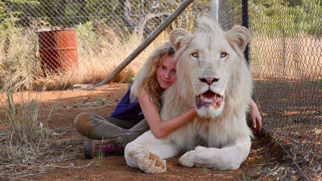 Cine de estreno: 'Mia y el león blanco'