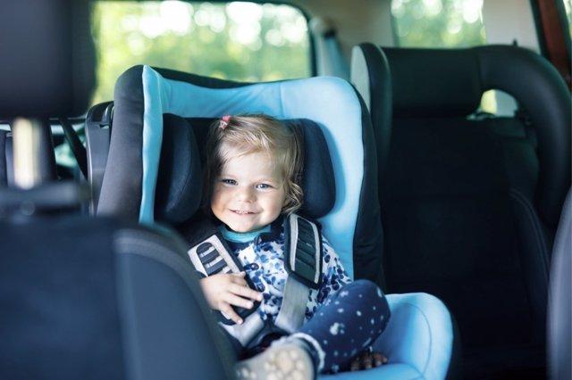 Falsos mitos sobre la seguridad del niño en el coche