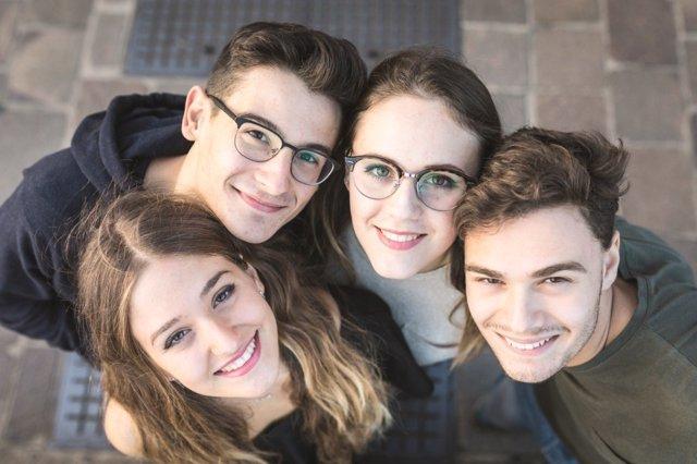Grupos y relaciones sociales en la adolescencia