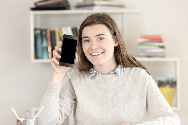 Apaga el móvil siempre que estés estudiando: rendirás más