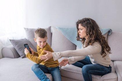 Control parental: límites sensatos contra el ciberacoso