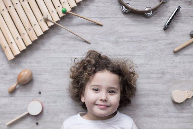 La música tiene múltiples beneficios en el desarrollo de los más pequeños.