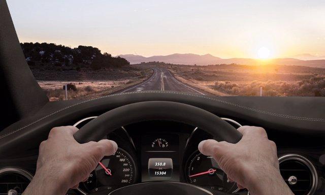 Si te vas a ir de vacaciones con tu famillia, revista los ruidos que tenga el coche