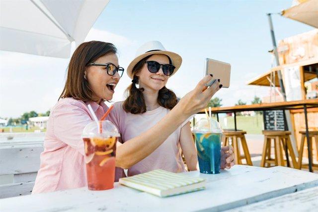 La nueva realidad de los adolescentes: vivir conectados