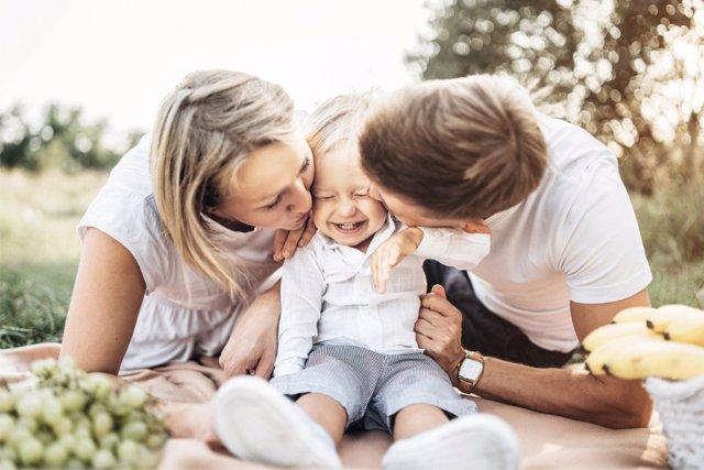 Gracias al 'baby signing' los padres pueden hablar con sus hijos y conocer qué necesitan, aun cuando no dominan el habla.