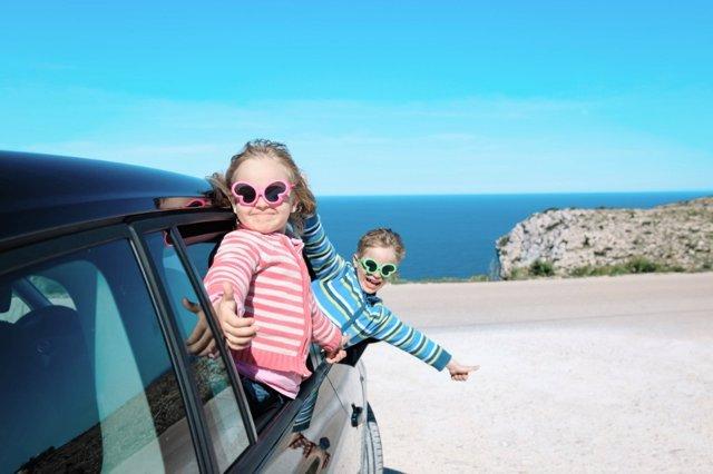 En previsión de los grandes desplazamientos de agosto, consejos para viajar seguro en coche