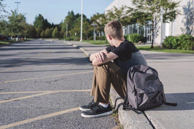 El síndrome del impostor mina la moral de los jóvenes al sentirse inmerecedores del éxito que tienen.