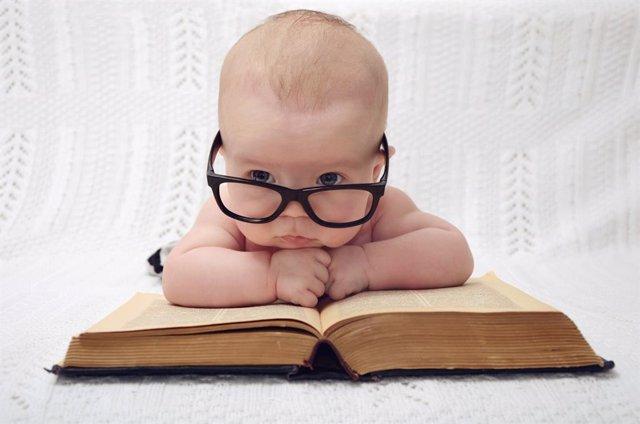 A qué edad deberían empezar a leer