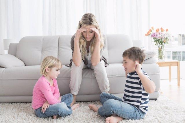 Las peleas entre hermanos son normales: enséñales a hacerlo con respeto