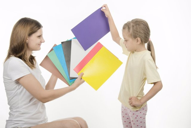 El daltonismo en niños es fácil de identificar y hacerlo puede ahorrar numerosos problemas.